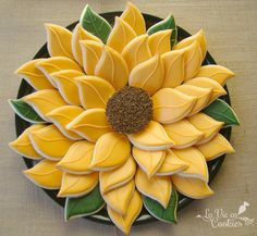 "SunFlower Cookie Blessings~""Hattie The Gluten Free Farm Girl""~Arrange individual cookies to create this Beauutiful Sunflower Cookie Platter Summer Cookies, Fall Cookies, Cut Out Cookies, Iced Cookies, Cute Cookies, Royal Icing Cookies, Cupcake Cookies, Heart Cookies, Valentine Cookies"