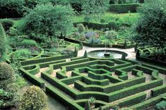 Dating from the 17th century, the gardens at Hatfield House have evolved into a gardeners' paradise. Visitors can enjoy the peace of the West Garden with its scented garden and fountains, and view the famous knot garden adjoining the Tudor Old Palace where Elizabeth I spent much of her childhood.