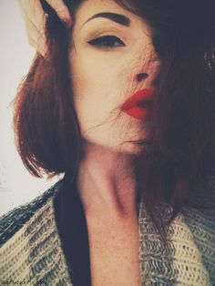 Cat eyes and red lips makeup inspiration
