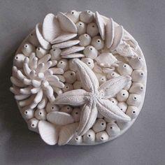 Decorative Coral Reef Plate, 3 D dish art, ceramic wall sculpture, Star fish… Ceramic Design, Ceramic Art, Fish Sculpture, Ceramics Projects, Paperclay, Porcelain Ceramics, China Porcelain, Clay Crafts, Clay Art