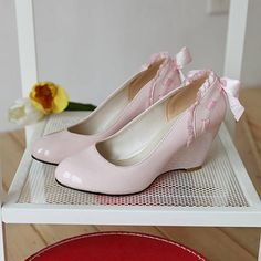 Ruffles and bow blush wedges (also to make, hopefully)