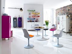 Tenzo Tequila Viva White and Purple Dining Chair with Leather-Look Seat Cushion/Plastic Body/Powder-Coated Metal Frame 83 x 49 x 53 cm Retro Dining Rooms, Chairs For Rent, Tenzo, Purple Dining Chairs, Swivel Chair Living Room, Dining Chairs, Furniture, Pink Desk Chair, Home N Decor