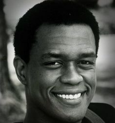 Kevin Peter Hall  Kevin Peter Hall (May 9 1955  April 10 1991) was an American actor best known for his roles as the title character in the first two films in the Predator franchise and the title character of Harry in the film and television series Harry and the Hendersons. He also appeared in the television series Misfits of Science and 227 along with the film Without Warning.  Early life Hall was born in Pittsburgh Pennsylvania. His parents were of above-average stature; his father…
