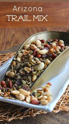 Trail Mix Recipes, Snack Mix Recipes, Nut Recipes, Vegetarian Recipes, Cooking Recipes, Snack Mixes, Healthy Vegan Snacks, Vegan Appetizers, Vegetarian Cooking