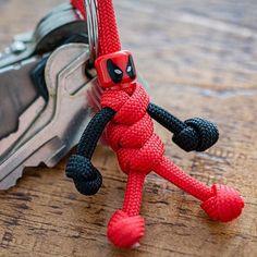 n HAND MADE IN UK Marvel Hawkeye PARACORD BUDDY keyring