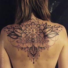 80 Back Tattoo Models (Female) Top Tattoos, Badass Tattoos, Cute Tattoos, Body Art Tattoos, Girl Tattoos, Tatoos, Back Piece Tattoo, Back Of Neck Tattoo, Beautiful Back Tattoos