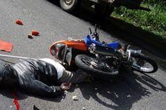 Pengendara Motor luka Parah Akibat Tabrakan di Jalan Juanda, Depok