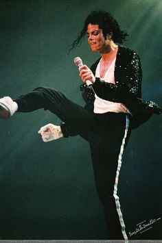 michael jackson on stage picture   ON STAGE - Michael Jackson Photo (11635924) - Fanpop fanclubs