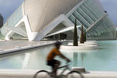 Valencia           Cycling by the City of the Arts and Sciences