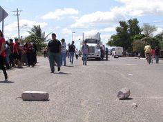 Piden en Juchitán segundo censo; bloquean carretera.