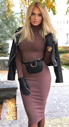 Diva Fashion, Fashion Models, Fashion Beauty, Womens Fashion, Luxury Fashion, Skirt Fashion, Fashion Styles, Skirt Outfits, Sexy Outfits