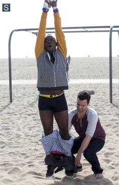 New Girl - Episode - Sister III - Promotional Photos New Girl Episodes, Best Comedy Shows, Jake Johnson, Good Kisser, Sweet Guys, Girl Pictures, Girl Pics, Episode 3, Best Shows Ever