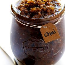 DIY Chai Sugar Scrub -- quick and easy to make with everyday ingredients | gimmesomeoven.com