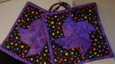 Topflappen lila Windmühle mit buntem Hintergrund von ingridpatch3d4p auf DaWanda.com