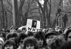 John Lennon Memorial, Central Park, New York, 1980. - Harry Benson.