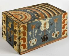 American Antiques - David Schorsch & Eileen Smiles - Areas of Expertise include Americana in the Folk Tradition: Pennsylvania German - Slide-lid box