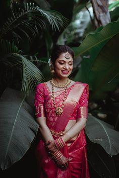 Brides of The Tamarind Tree have never failed to impress and always set bride goals. Kerala Hindu Bride, Kerala Wedding Saree, Indian Bride Poses, South Indian Wedding Saree, Indian Bridal Photos, Indian Bridal Sarees, Indian Bridal Outfits, Indian Bridal Fashion, Indian Engagement Photos
