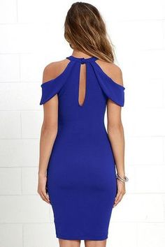 For a night of cocktails and best friends, try the Mixologist Royal Blue Bodycon Midi Dress! Halter neckline fastens with a button above front and back keyholes and pointed sleeves. Simple Dresses, Beautiful Dresses, Nice Dresses, Casual Dresses, Short Dresses, Casual Outfits, Fashion Dresses, Fashion Clothes, Hippie Style