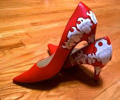 Customized Hand Painted Personalized Heels Red & White Pumps, Classics size 7.5 #CustomizedPersonalized #PumpsClassics