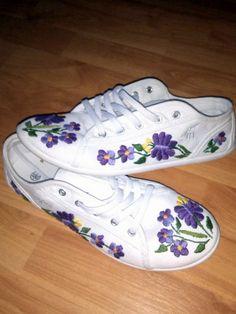 kalocsai cipő hímzése