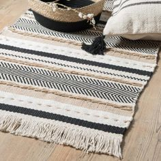 Cotton Rug with Stripe Print on Maisons du Monde. Take your pick from our furniture and accessories and be inspired! Wool Carpet, Rugs On Carpet, Carpets, Eclectic Rugs, Textiles, Geometric Rug, Living Room Carpet, Entryway Rug, Modern Rugs