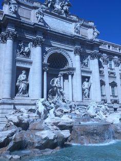 La #FontanaDiTrevi es la fuente barroca más grande del mundo y es de paso obligado al #visitar #Roma. http://www.viajararoma.com/?page=monumentoscentrohistorico.php