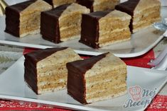 Czech Recipes, Ethnic Recipes, Czech Desserts, Sweet Recipes, Cake Recipes, Bite Size Cookies, Small Desserts, Desert Recipes, Vanilla Cake
