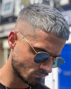 30 Timeless French Crop Haircut Variations in 2019 Styling Guide Dyed Hairstyles Crop French Guide haircut styling Timeless variations Mens Hairstyles Fade, Cool Hairstyles For Men, Hairstyles Haircuts, Haircuts For Men, Undercut Hairstyle, Hairstyle Short, Short Fade Haircut, Mens Crop Haircut, Men Short Hair