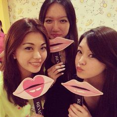 "@Anna Wong's photo: ""Luscious lips with @Kelly McGuirk & @Charmaine Pua Li Ping #takepicha #revlonlipstick #mivva"""