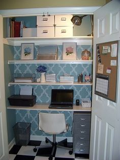 Get your life organized in small space with these great cloffice, office  closet, ideas.
