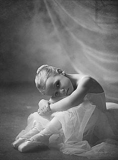 Adorable little ballerina; Adorable little ballerina; Ballet Kids, Ballet Dancers, Ballet Shoe, Ballet Photography, Children Photography, Foto Sport, Foto Picture, Little Girl Dancing, Little Ballerina