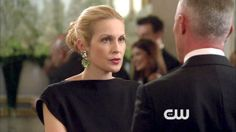 I LOVE the hair styles Kelly Rutherford has on gossip girl. I love the low up-dos.