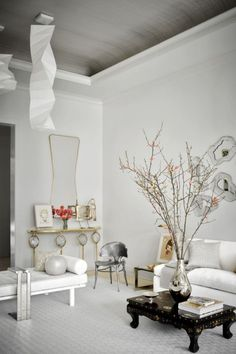 James Aman and John Meeks designed a space where their imagination could spread its wings and fly over the roof. The presence of art furniture and modern sculptures completely reigns in this Luxury Home and Inspiration and Ideas is about the give you all the inside scoop of this contemporary design. #interiordesign #luxuryinterior #luxurydesign #interiordesignproject #homedecor #designideas