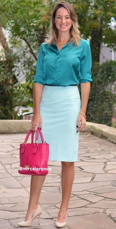 colorblocking blue - body diversity - fashion spring/summer look Work Fashion, Modest Fashion, Skirt Fashion, Fashion Outfits, Toms Outfits, Cute Outfits, Business Outfits, Office Outfits, Outfit Look
