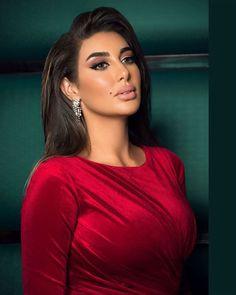 Arab Actress, Egyptian Actress, Arabian Women, Arabian Beauty, Glam Makeup, Party Makeup, Arab Celebrities, Stunning Eyes, Woman Face
