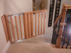 Examples of custom baby gates that parents can make themselves. 17 DIY baby gate projects with free tutorials. Using plywood, poplar wood and repurposed old baby cribs Diy Dog Gate, Diy Baby Gate, Pet Gate, Dog Gates, Wooden Stair Gate, Wooden Baby Gates, Baby Gate For Stairs, Diy Bebe, Dutch Door