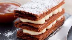 Recette de mille-feuille à la vanille, sauce caramel au beurre demi-sel, via YouTube.