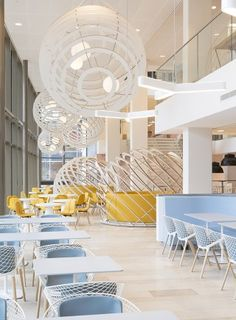 Heyligers d+p completed the interior design for the whole 27.000m2 head office for NUON (power company) in Amsterdam, The Netherlands. Restaurant 'wind' & 'gas'. www.h-dp.nl