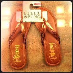 Billabong flip flops NWT, NBW Billabong Shoes