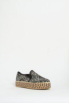 Zapato slip on de yute