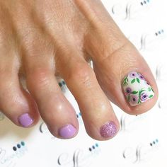 Purple Floral With Glitter Toes Nails