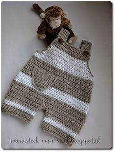 Orgu baby jumpsuit models - baby clothes The Effective Pictures We Offer You About baby dress patter Crochet Romper, Crochet Bebe, Crochet For Boys, Knit Crochet, Baby Dungarees, Baby Jumpsuit, Baby Dress, Romper Pants, Boy Crochet Patterns