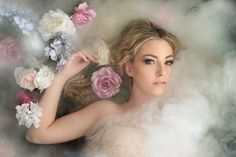 Painting Portrait Photography Girls 23 Ideas For 2019 Fog Photography, Milk Bath Photography, Types Of Photography, Underwater Photography, Photography Women, Portrait Photography, Photography Ideas, Milk Bath Photos, Foto Rose