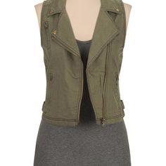 Lightweight asymmetrical zip vest