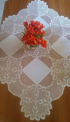 Elegant Filet Crochet Tablecloth For Modern Table Decor – Crochet Filet Crochet Tablecloth Pattern, Crochet Doilies, Crochet Lace, Crochet Patterns, Vintage Table Linens, Filet Crochet, Modern Table, Pattern Design, Diy And Crafts