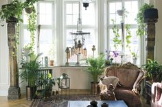 I found this stunning home on Hem & Antik , a Swedish website. It belongs to couple Daphne and Rolf and is located in Stolkholm . I was g...