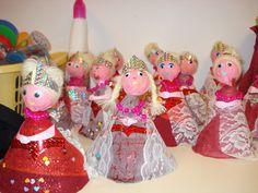 Château, Princes et Princesses - La classe de Teet et Marlou Chateau Moyen Age, Prince And Princess, Christmas Ornaments, Holiday Decor, Galette, Projects, Knights, Dragons, Classroom