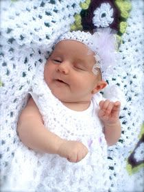 Sarahndipities ~ fortunate handmade finds: Things to Make: Blessing Dress and Blanket Crochet Baby Clothes, Newborn Crochet, Crochet Dresses, Crochet Slipper Pattern, Crochet Slippers, Baby Patterns, Crochet Ideas, Baby Christening Gowns, Tricot