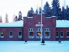Lahden Upseerikerho, Lahden kaupungin ketterät kokeilija-esimiehet ja hangessa kuikkiva lumikko. Helmikuu 2018.
