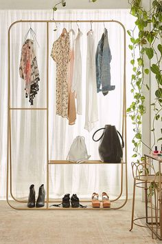 amazing 44 Spare Bedroom Space That Turned Into Dream Closets My New Room, My Room, Diy Walk In Closet, Makeshift Closet, Apartment Essentials, Garment Racks, Dream Closets, Open Closets, Spare Room